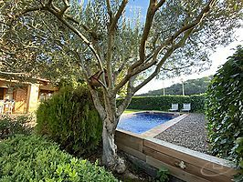 Rustic house with pool in Monells