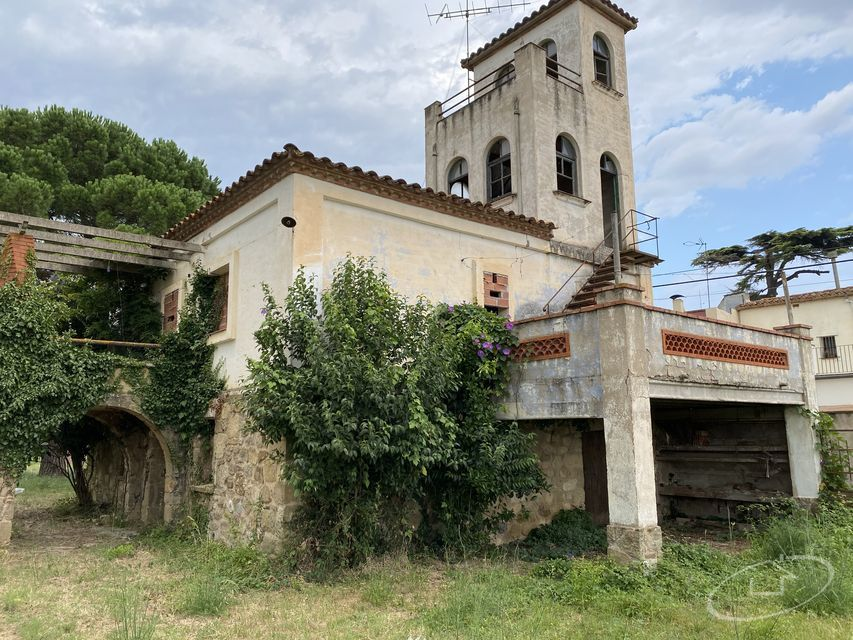 HOUSE TO RESTORE IN CORÇÀ